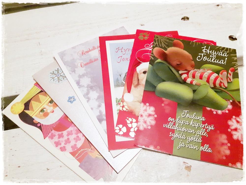 Joulukorteista kuusenkoristeita