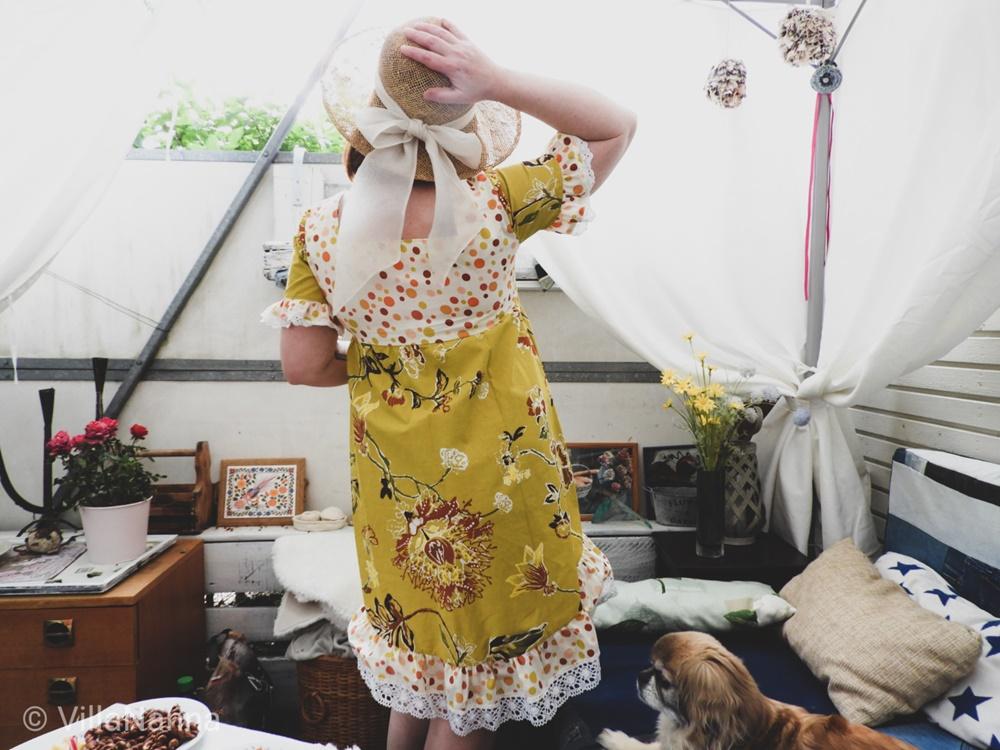 Keskikesän aurinkoinen mekko