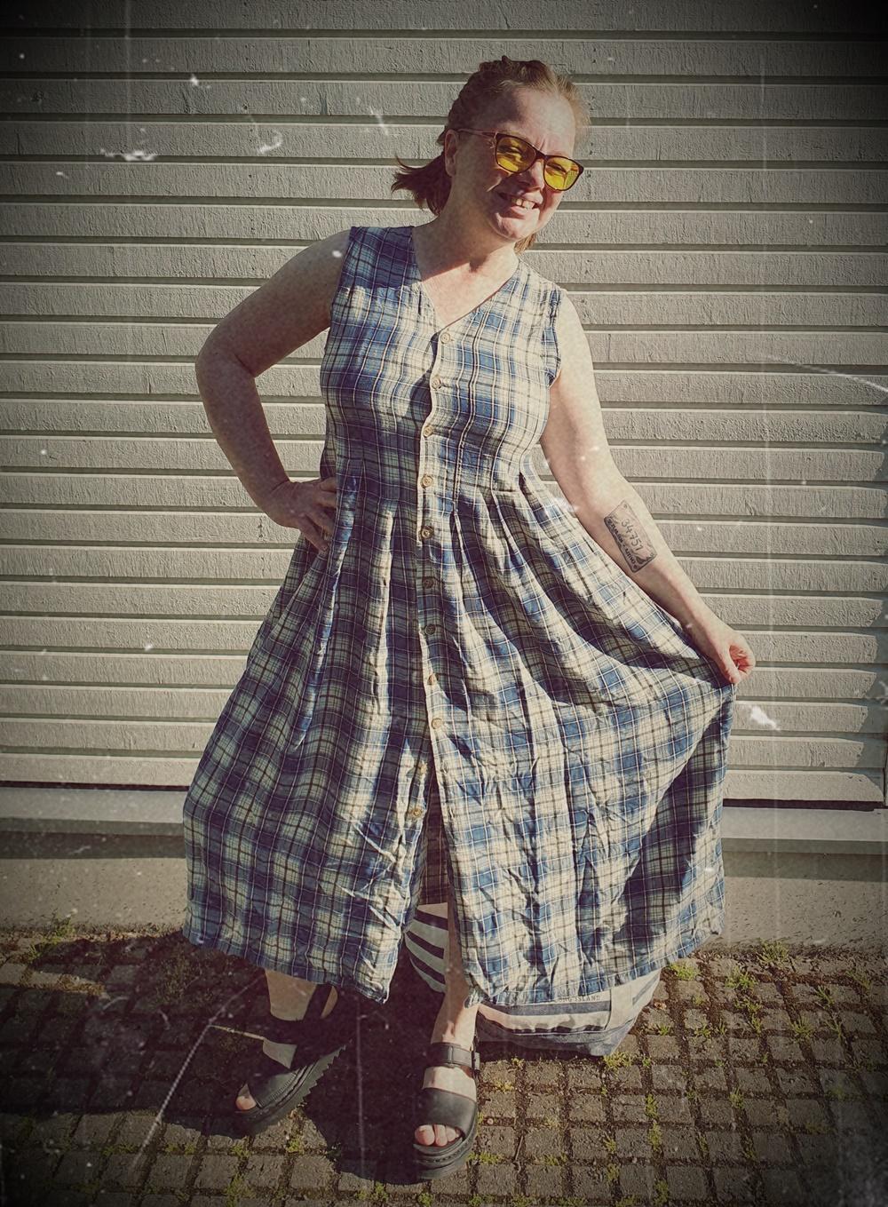 Slow-fashion liivimekko Kontista