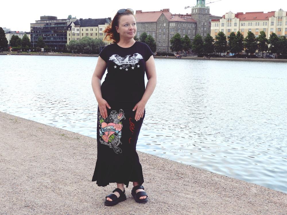 T-paidoista tehty volankihame